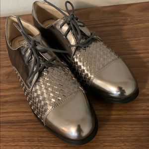 Cole Haan Womens Oxford Pewter Metallic Leathet